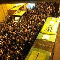 12/13/2011 tarihinde Kerem D.ziyaretçi tarafından Zincirlikuyu Metrobüs Durağı'de çekilen fotoğraf