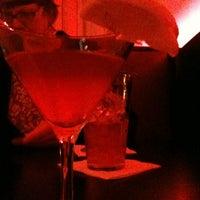 Das Foto wurde bei Cruise Room von Mimi M. am 3/10/2012 aufgenommen