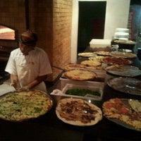 Foto tirada no(a) Pizzaria Donna Margherita por Bruno L. em 7/23/2012
