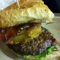Foto scattata a Ikeda's California Country Market da Christine il 1/8/2012