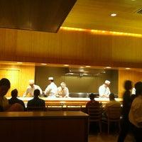 12/25/2011 tarihinde Suzana U.ziyaretçi tarafından Sushi Yasuda'de çekilen fotoğraf