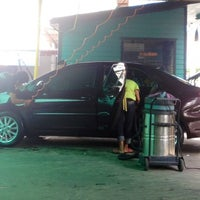 Photo taken at Super Clean Car Wash บริการล้างรถ by ⚓🍒🐷mhunoiii🐷🍒⚓ on 8/28/2012