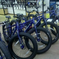 Photo taken at Freewheel Bike Shop by Jim C. on 9/12/2011