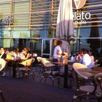 7/10/2012 tarihinde Tolga T.ziyaretçi tarafından Gelato Ice & Caffé'de çekilen fotoğraf