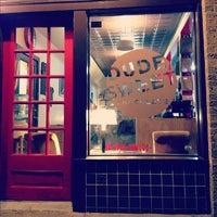 Foto scattata a Dude, Sweet Chocolate da Penny K. il 3/28/2012