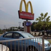Photo taken at McDonald's by EL Penetrador 🍒 F. on 7/2/2012