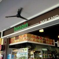 Photo taken at Hussain Nasi Kandar by ストーム 2502™ on 1/25/2012