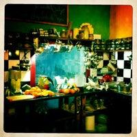 Foto tomada en La Clandestina por Andrea C. el 8/24/2011