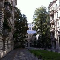 Das Foto wurde bei Riehmers Hofgarten von anachorete am 9/3/2011 aufgenommen
