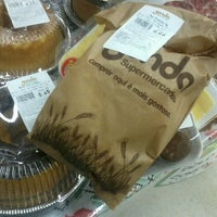 Foto tirada no(a) Sonda Supermercados por Caio R. em 6/17/2012
