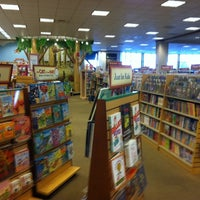 Photo taken at Barnes & Noble by Mason W. on 10/11/2011