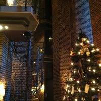 Das Foto wurde bei Hotel im Wasserturm von Wesley d. am 12/17/2011 aufgenommen
