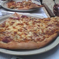 Foto tirada no(a) Pizza café por Vitor M. em 8/29/2012