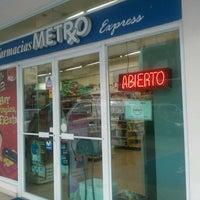 Photo taken at Farmacia Metro by Claudio F. on 8/19/2011