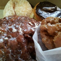 Photo taken at Every Day Is A Donut Day by Jeff W. on 12/3/2011