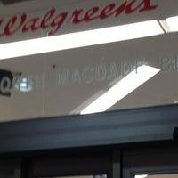 Photo taken at Walgreens by Daun M S. on 1/15/2012