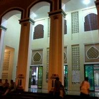 Photo taken at Masjid Agung Al-Makmur by Nabil F. on 8/24/2012