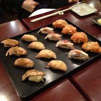 3/21/2012 tarihinde Yosuke H.ziyaretçi tarafından Sushi of Gari'de çekilen fotoğraf