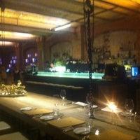 Das Foto wurde bei Sage Restaurant & Beach von santi d. am 4/14/2012 aufgenommen
