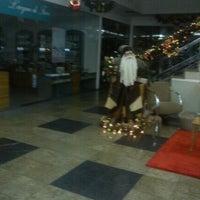Photo taken at Figorelle Shopping by Dudu Gonçalves on 11/27/2011