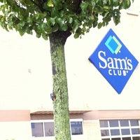 Снимок сделан в Sam's Club пользователем Shariff O. 8/14/2011