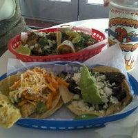 Das Foto wurde bei Torchy's Tacos von Andy I. am 10/26/2011 aufgenommen