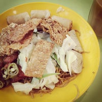 Photo taken at Telok Blangah Crescent Market & Food Centre by Kevin L. on 8/11/2012