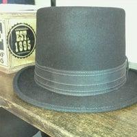 Photo taken at Goorin Bros. Hat Shop - Larimer Square by Amerika on 10/5/2011
