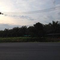 Photo taken at รวมเทพพันธุ์ยาง by PaNida P. on 3/14/2012