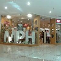 Photo taken at MPH Bookstore by peri p. on 3/16/2012