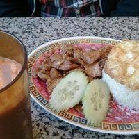 รูปภาพถ่ายที่ Sanamluang Café โดย Kat D. เมื่อ 2/6/2012