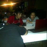 Photo taken at Angkringan Sabin by Wahyudia V. on 5/14/2012