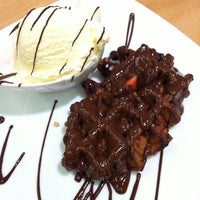 Photo taken at Oliver Brown Chocolaterie by Joksin W. on 10/7/2011