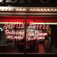 Photo taken at Swensen's Ice Cream by Joe S. on 3/11/2012