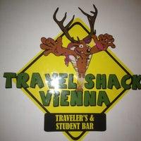 Das Foto wurde bei Travel Shack Vienna von Liam M. am 3/13/2012 aufgenommen
