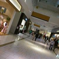 รูปภาพถ่ายที่ AEON Mall โดย Jean Pierre P. เมื่อ 10/10/2011