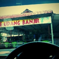Photo taken at Warung Mee Udang Banjir by sahril s. on 9/2/2012
