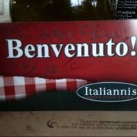 Photo taken at Italianni's Pasta, Pizza & Vino by Ana F. on 7/14/2012