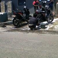 Photo taken at Cuci Motor Karanganyar by Rahmi A. on 11/14/2011
