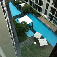 Photo taken at Swimming Pool by ปลาวาฬทราย ห. on 7/21/2011
