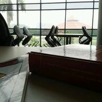 Photo taken at Perpustakaan Universitas Indonesia - Crystal of Knowledge by Henni Noor U. on 6/11/2012