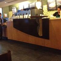 Foto tomada en Starbucks por Merinópticos C. el 4/17/2012