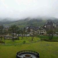 Photo taken at InterContinental Hotels Alpensia Pyeongchang Resort by Jason M. on 9/11/2011