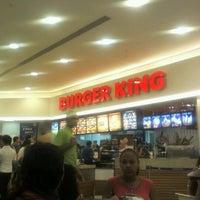 Foto tirada no(a) Burger King por Fabio T. em 11/20/2011