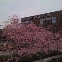 Das Foto wurde bei Freie Universität Berlin von Rebecca K. am 4/5/2011 aufgenommen