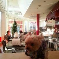 Foto tirada no(a) アイトールカフェ por Yasutoshi Y. em 12/16/2011