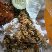 Photo taken at Nasi Uduk Cak Bejo by Widya p. on 6/26/2012