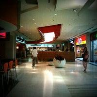 Foto tirada no(a) Casa & Gourmet Shopping por Moises A. em 1/14/2012