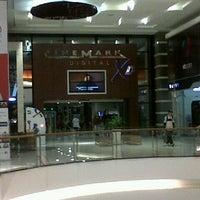 Das Foto wurde bei Cinemark von Sonrisa D. am 8/30/2012 aufgenommen