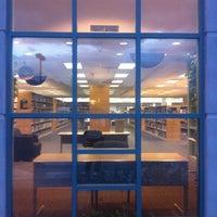4/7/2011 tarihinde Janae J.ziyaretçi tarafından Scottsdale Public Library - Palomino'de çekilen fotoğraf